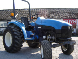 New Holland 1725 Compact Tractor for Sale